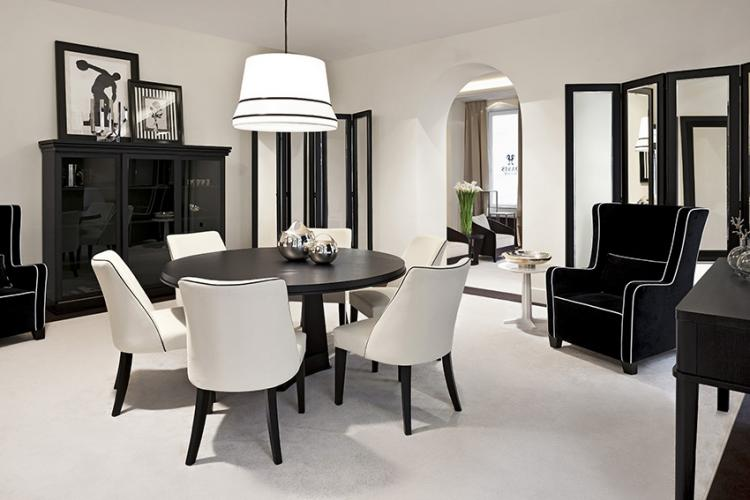 Black & white theme – Dining room