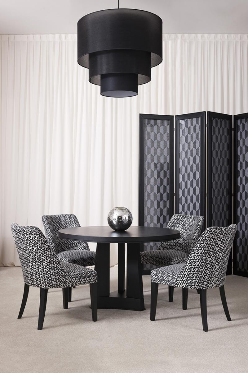 Triumph der geometrie im esszimmer oasis rooms for Esszimmer italienischer stil