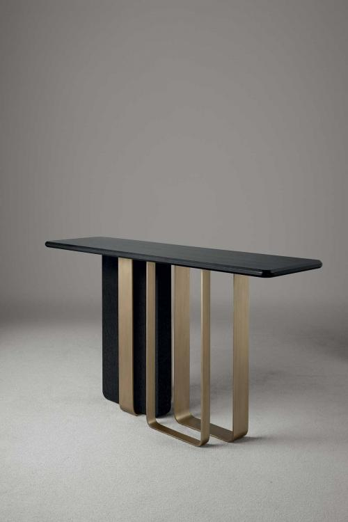 Saint Germain console by Oasis