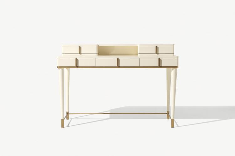 Dama writing desk