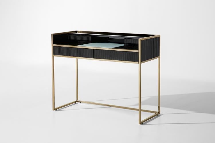 Academy desk by Oasis